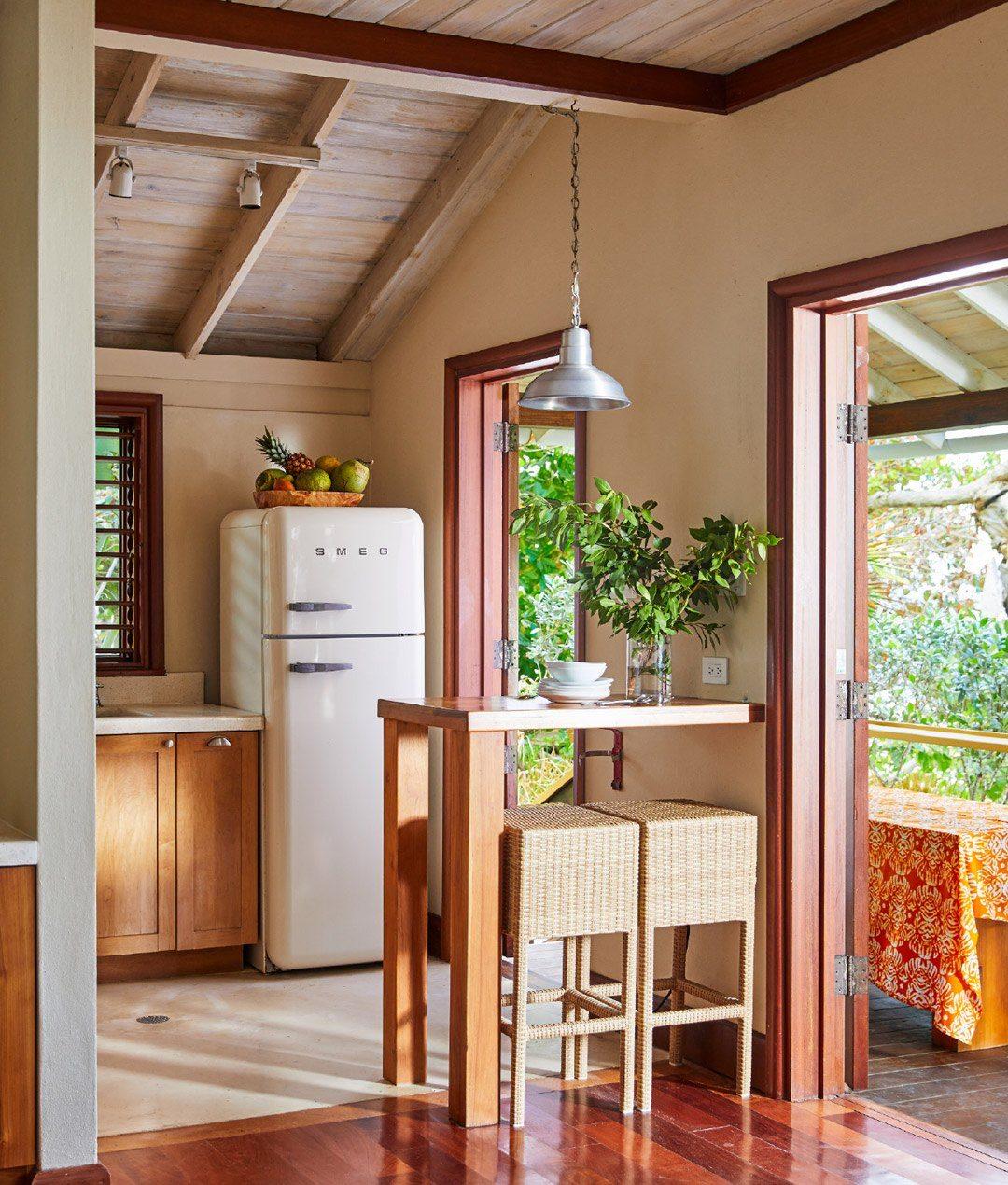 10-two-bedroom-lagoon-villa-carousel-4