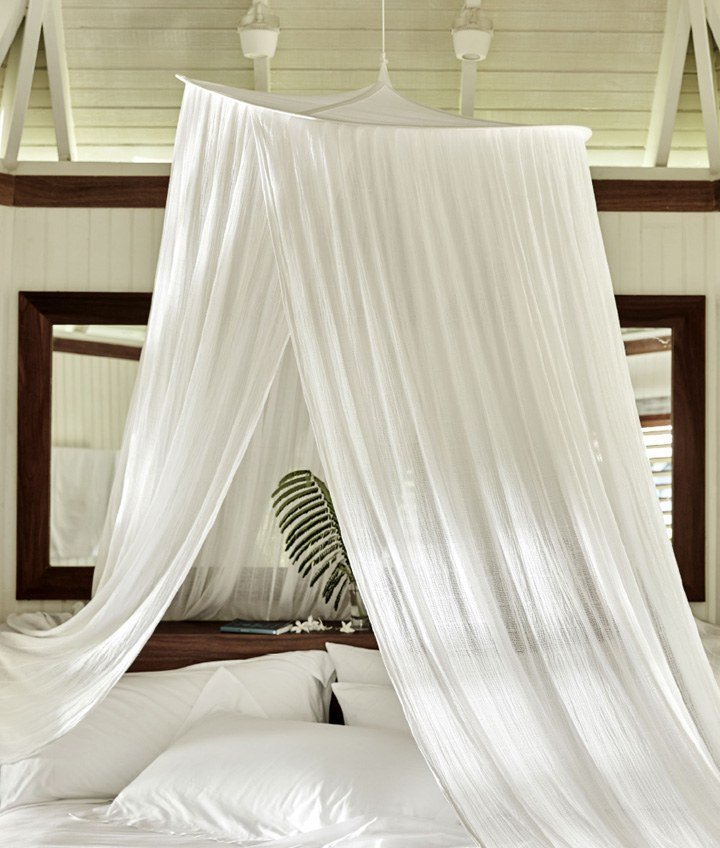 14-one-bedroom-hut-carousel-1